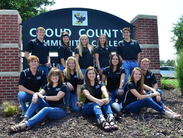 group picture of the CCCC Student Ambassadors